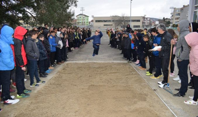 В община Приморско почетоха паметта на Васил Левски