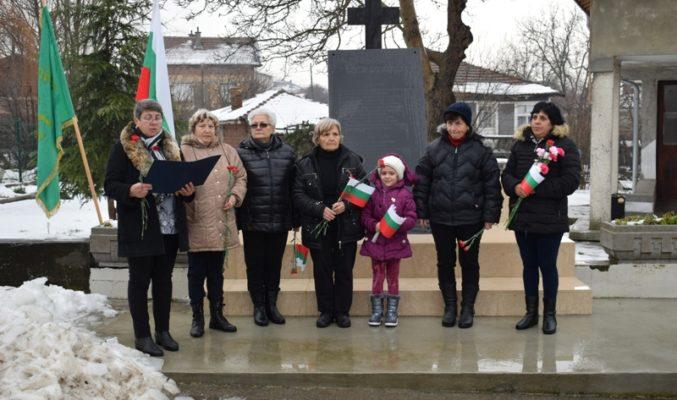 Жителите на община Приморско честваха  Освобождението на България 3 март с полагане на венци и цветя на възпоменателните плочи в населените места