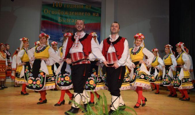 """ФА """"Приморско"""" зарадва своите съграждани с концерт, посветен на 140 години от Освобождението на България."""