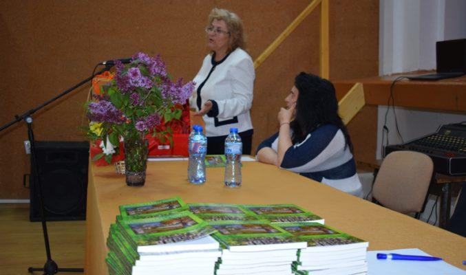 Читалището в Ясна поляна увековечи дейността си в книга